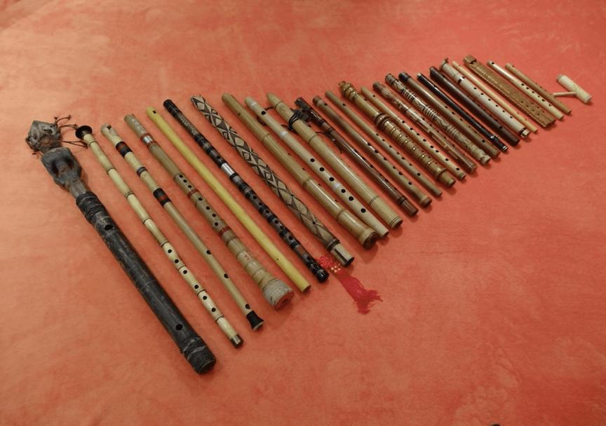 Exposition Musicalisée de Flûtes du Monde – Serralongue